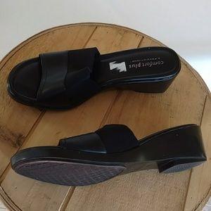 Predictions Comfort Plus 11W Black Fabric Slides